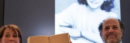 Судлаачид Анна Франкийн өдрийн тэмдэглэлээс нууц хоёр хуудсыг илрүүлжээ
