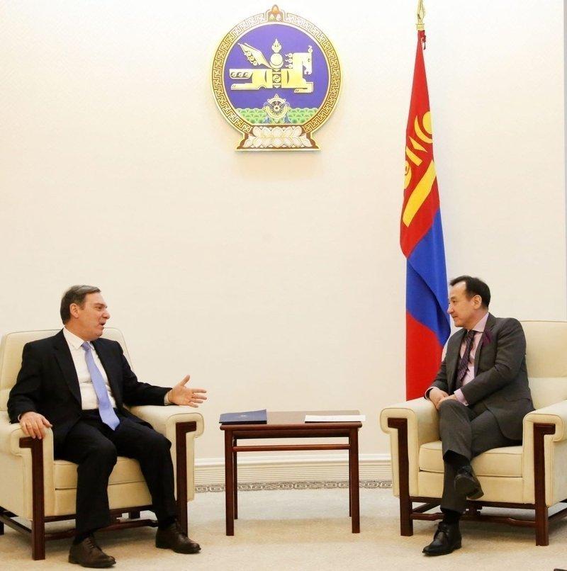 Монголын залуу дипломатуудыг Грект суралцуулах хүсэлт тавилаа