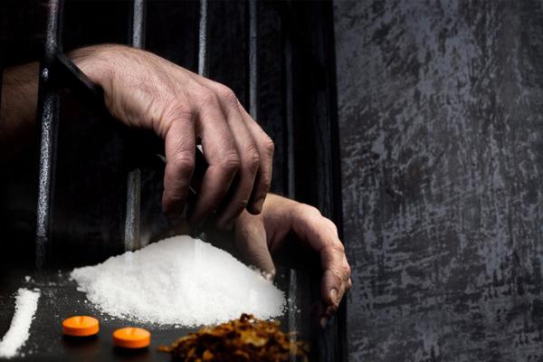 Шуудангаар хар тамхи худалдан авдаг байсан этгээдүүдийг баривчилжээ