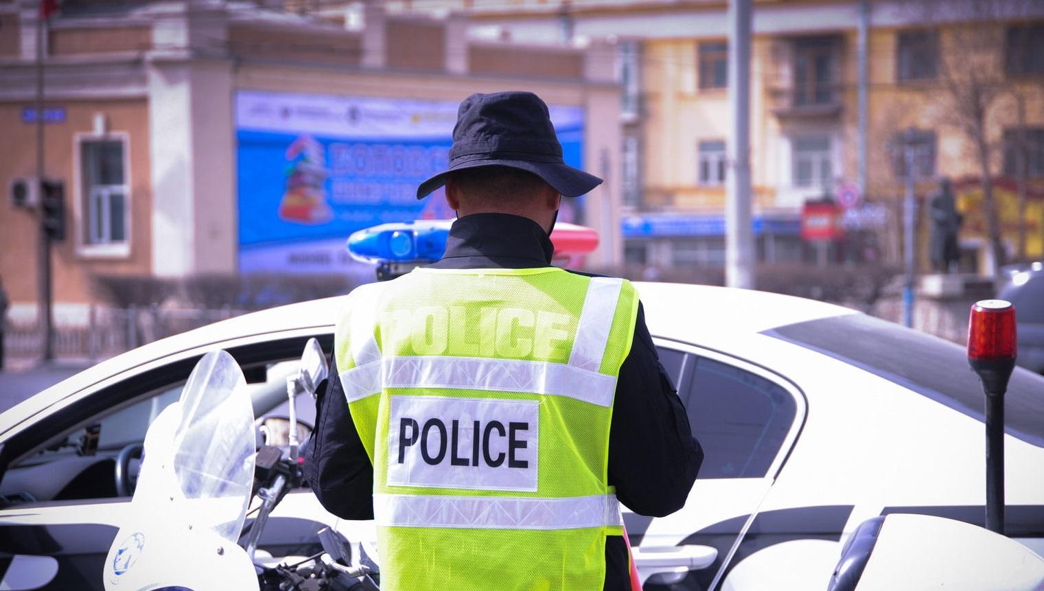 Автобусны жолооч бага насны хоёр хүүхдийг мөргөж гэмтээжээ