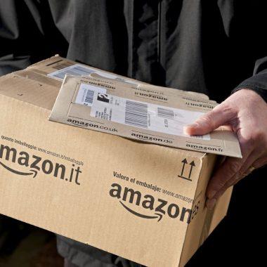 Амазон компани робот машинаар бараагаа савлаж эхэлнэ