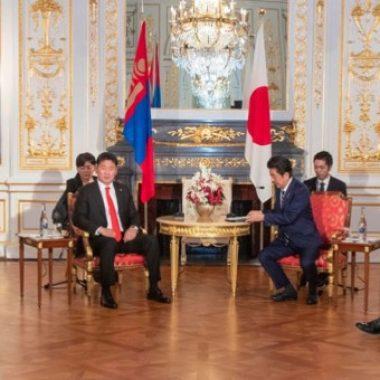 Ерөнхий сайд Япон Улсын Ерөнхий сайд Абэ Шинзотой уулзлаа
