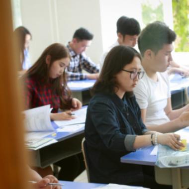 Элсэлтийн ерөнхий шалгалт Монгол Улсын түүх хичээлээр орон даяар зэрэг эхэллээ