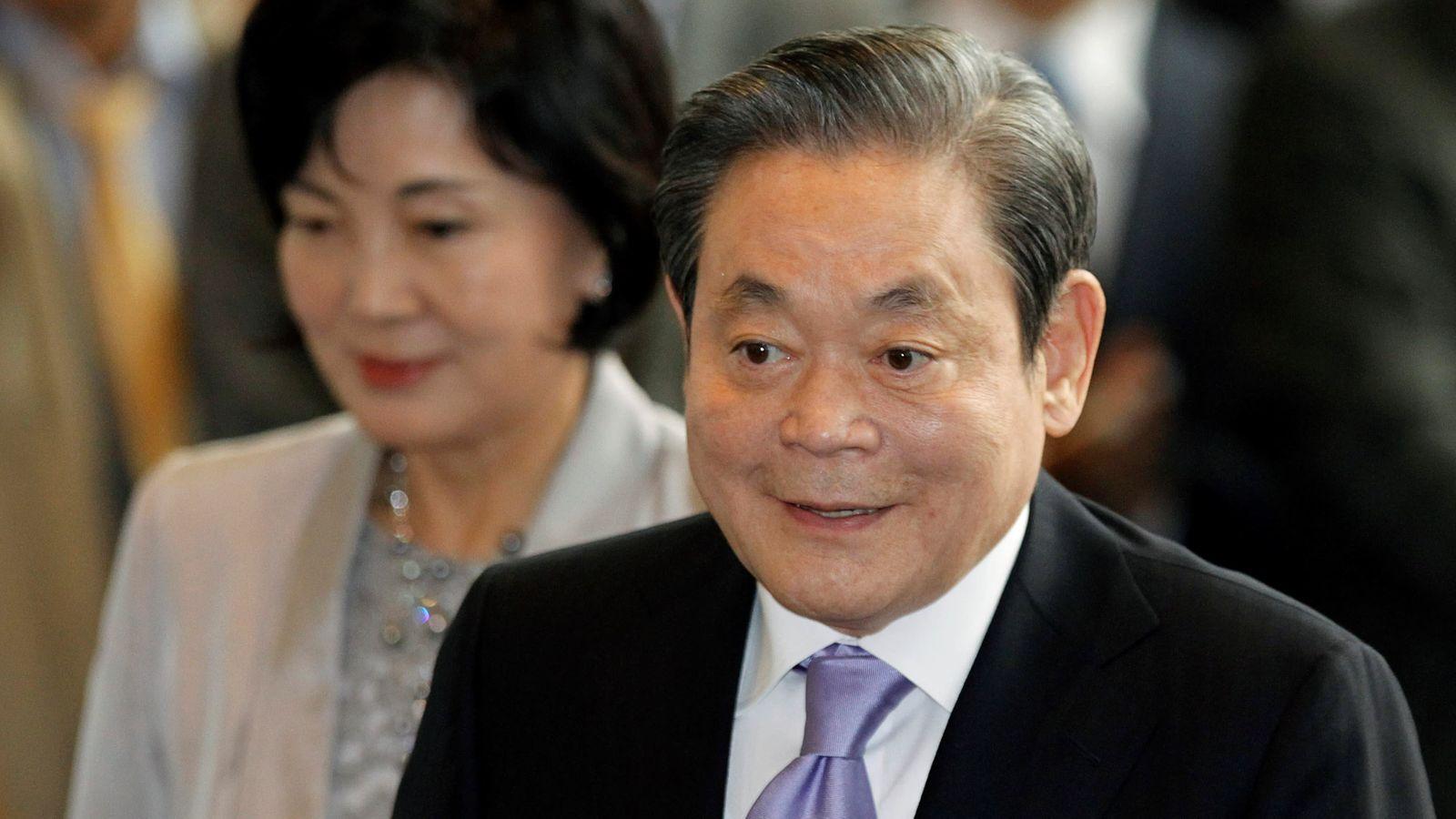 Самсунг компаний захирал Ли нас баржээ