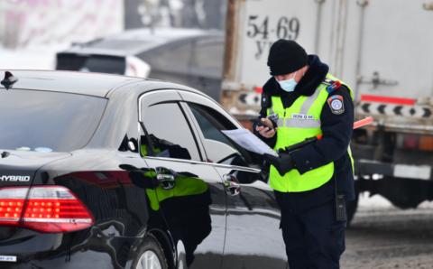 Зам тээврийн ослоор гурван хүн амь насаа алджээ