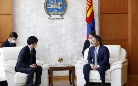 """Ерөнхийлөгч Х.Баттулга Вьетнамын элчин сайдад """"Монгол хэл заавал сураарай"""" гэж захив"""