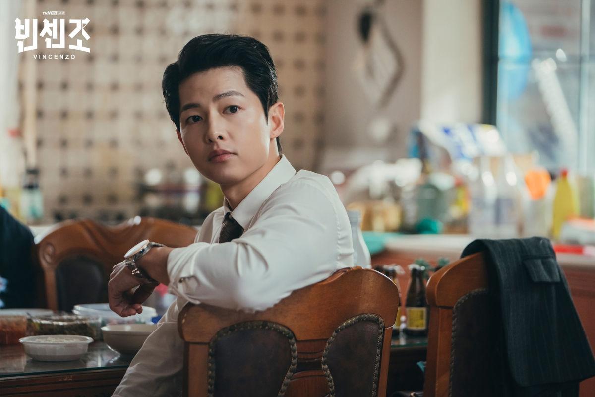 Song Joong-ki дур булаам өмгөөлөгчөөр эргэн ирлээ