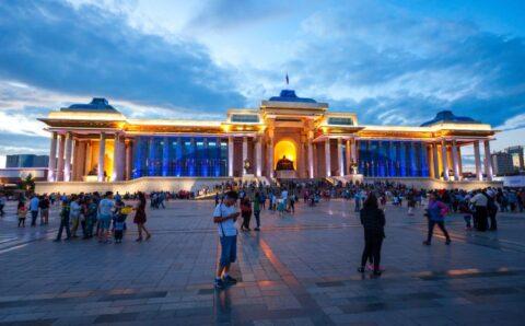 Монгол эмэгтэйчүүд дунджаар 26 насандаа гэрлэдэг