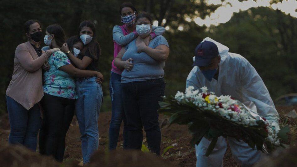 Бразилд коронавирусийн улмаас нэг өдөрт 4195 хүн нас баржээ