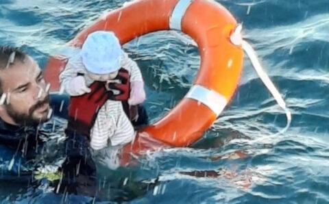 Испаний нутаг дэвсгэр рүү хоёр хоногт 8000 цагаач сэлж иржээ