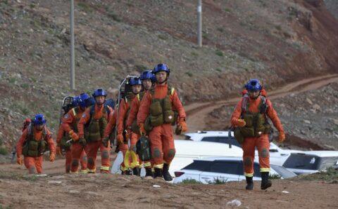 Цаг агаарын гамшигт үзэгдлийн улмаас 21 гүйгч амиа алджээ