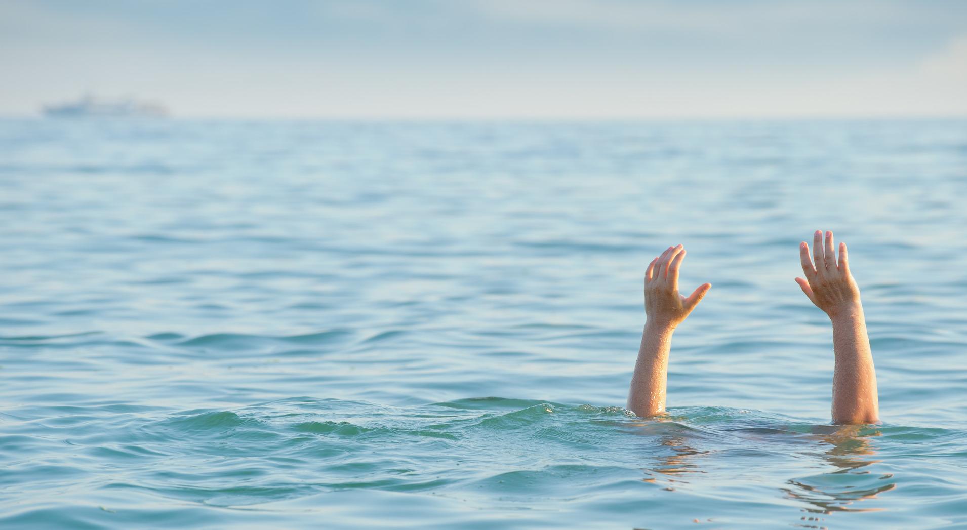 СЭРЭМЖЛҮҮЛЭГ: Төгсөх ангийн зургаан сурагч нууранд живж амиа алджээ